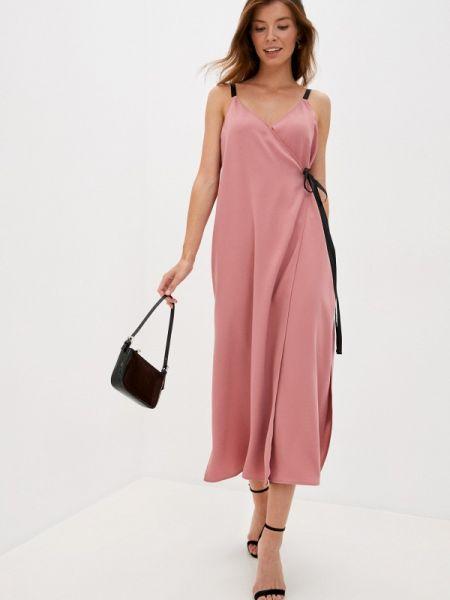 Розовое платье с запахом Love Republic