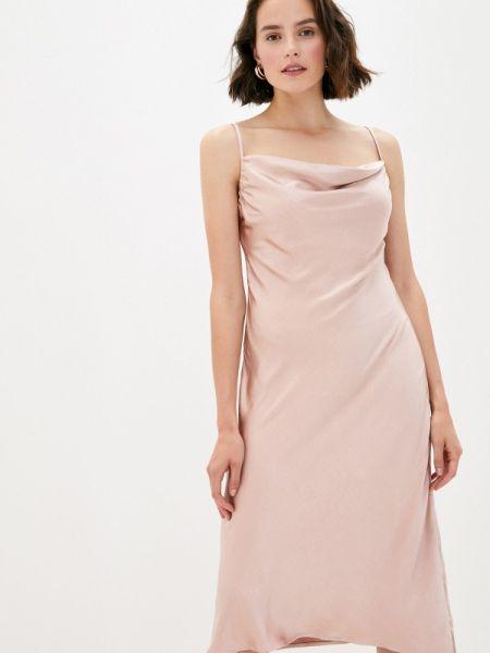 Розовое платье B.style
