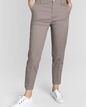 Прямые бежевые со стрелками брюки чиносы Ostin