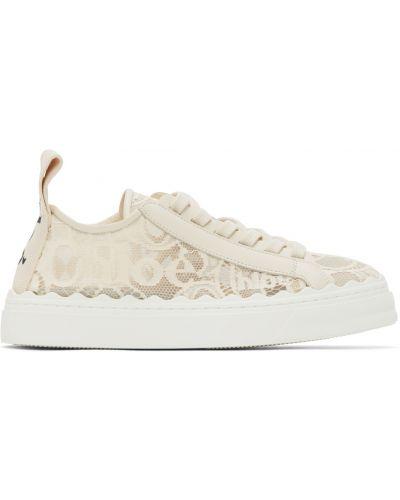 Białe sneakersy skorzane na obcasie Chloe