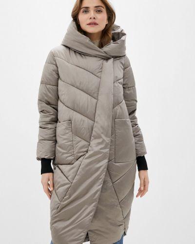 Бежевая теплая куртка Winzor