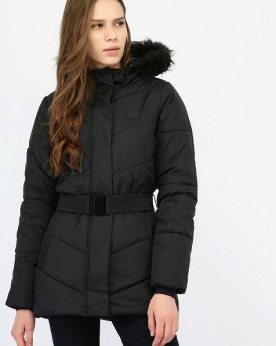 Черная куртка Hummel