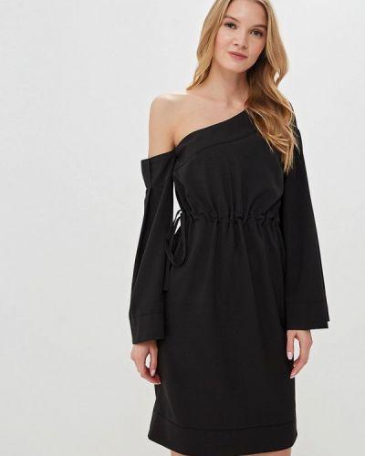 Платье с открытыми плечами черное Tutto Bene