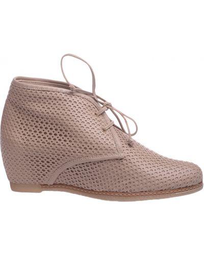 Ботинки на каблуке кожаные бежевые Pakerson
