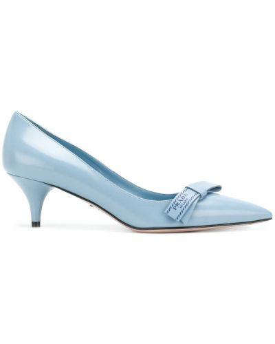 Туфли-лодочки с мехом на низком каблуке кожаные Prada