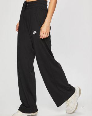 Спортивные брюки на резинке с карманами Nike Sportswear