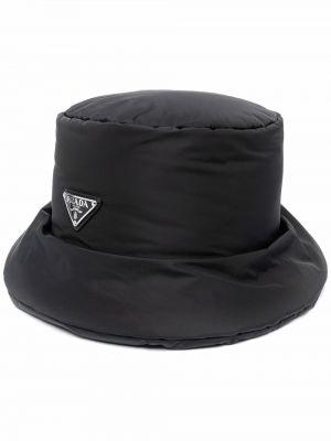 Czarna czapka skórzana Prada