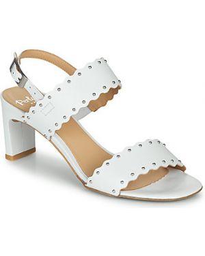 Białe sandały Perlato