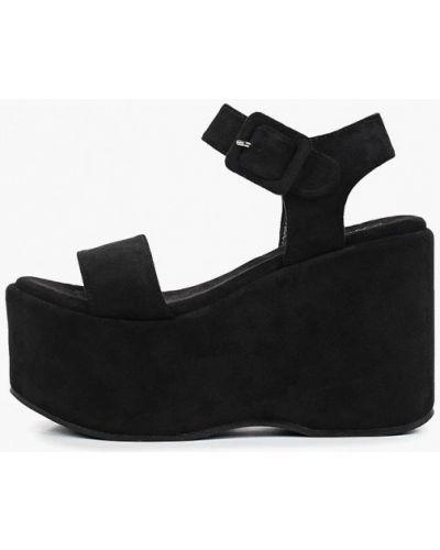 Босоножки на каблуке черный Malien