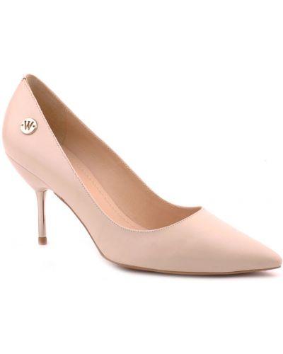 Бежевые туфли Werner