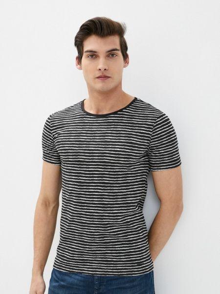 Черная футболка Colin's