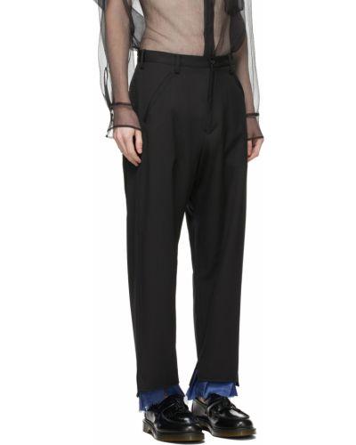 Satynowe czarne spodnie z paskiem Sulvam