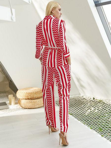 Костюмный красный костюм Vovk