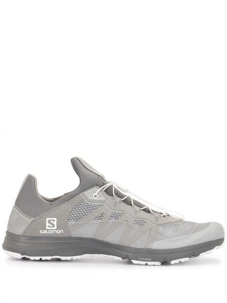 Серые кроссовки сетчатые со вставками на шнуровке Salomon S/lab