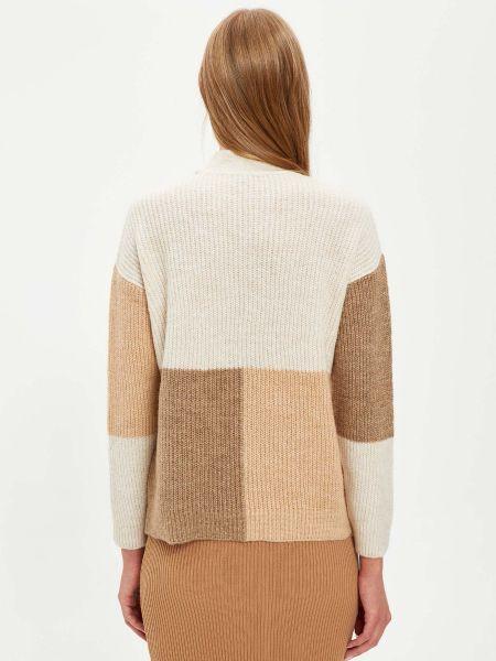 Белый свитер Defacto