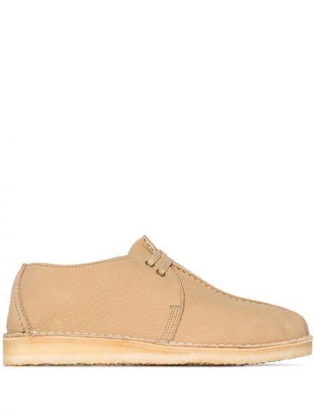 Коричневые кожаные ботинки на шнуровке Clarks Originals