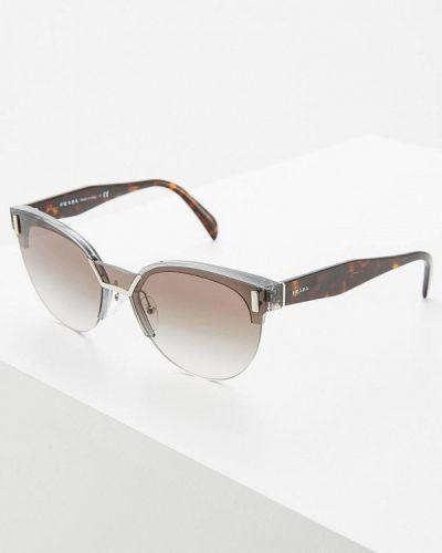 Серые солнцезащитные очки Prada