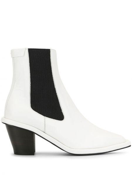 Кожаные белые ботинки челси на каблуке со вставками Reike Nen