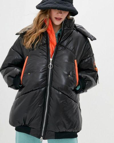 Утепленная черная куртка Sfn