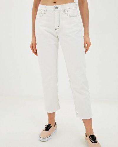Белые джинсы Quiksilver