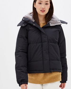 Зимняя куртка утепленная черная Roxy