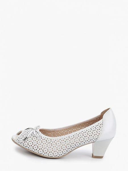 Кожаные туфли с открытым носком белый Caprice