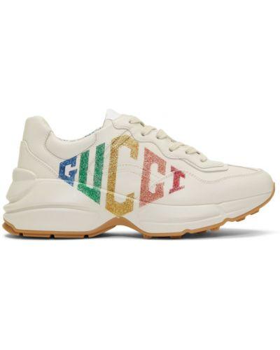 Włókienniczy biały skórzane sneakersy z łatami na sznurowadłach Gucci