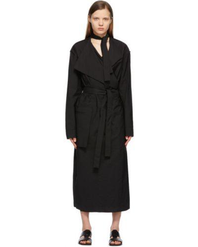 Czarna sukienka długa kopertowa z długimi rękawami Lemaire