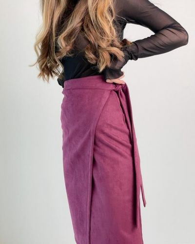 Бордовая замшевая юбка с запахом G&m