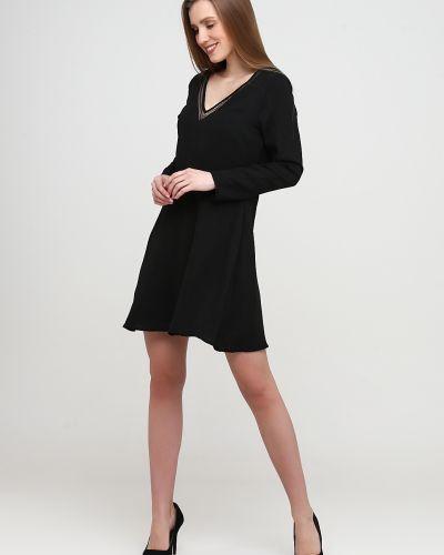 Расклешенное черное платье с длинными рукавами Sweewe