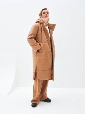 Бежевое пальто на подкладке Zarina