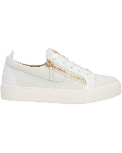 Białe sneakersy płaska podeszwa Giuseppe Zanotti