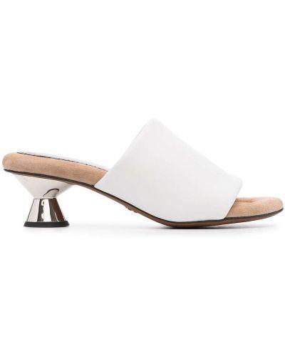 Białe sandały skorzane peep toe Proenza Schouler