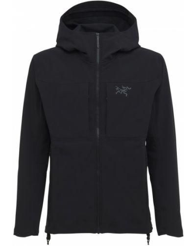 Черная куртка из софтшелла Arcteryx
