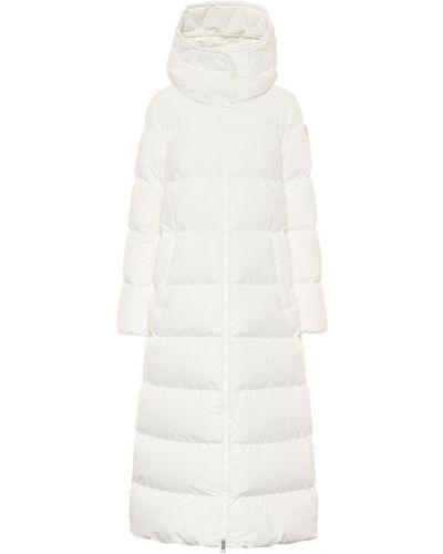Белое пуховое зимнее пальто Moncler