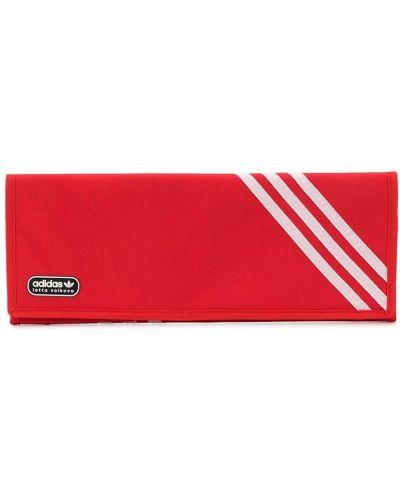 Модный брендовый красный клатч Adidas X Lotta Volkova