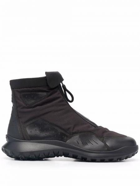 Черные массивные кроссовки Camper