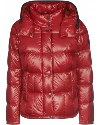 Czerwony płaszcz Peuterey