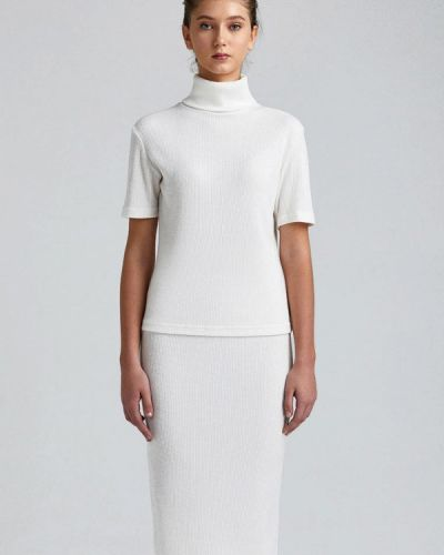 Белый вязаный юбочный костюм Minimally