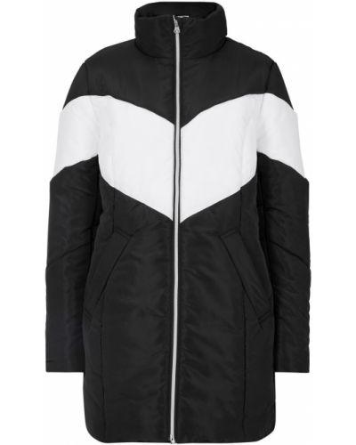 Черная зимняя куртка Bonprix