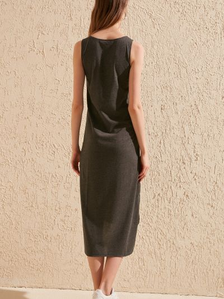 Трикотажное платье - черное Trendyol