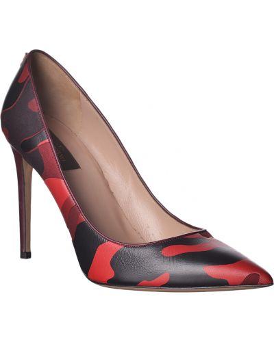 Бордовые туфли на каблуке Valentino