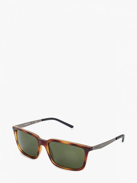 Солнцезащитные очки квадратные Arnette