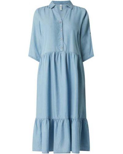 Niebieska sukienka midi rozkloszowana materiałowa Soyaconcept