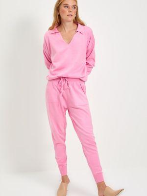 Różowy garnitur dzianinowy Trendyol