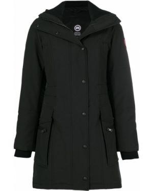Пуховая черная длинное пальто с капюшоном Canada Goose