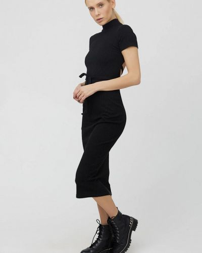 Трикотажное вязаное черное платье Cardo