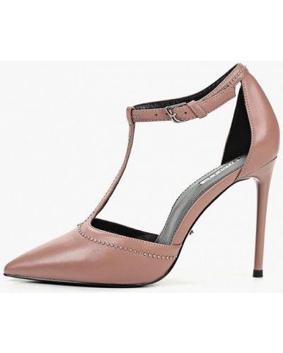 Туфли на каблуке кожаные с застежкой на лодыжке Vitacci