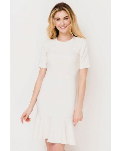 Платье весеннее Escena