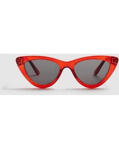 Солнцезащитные очки кошачий глаз пластиковые Mango